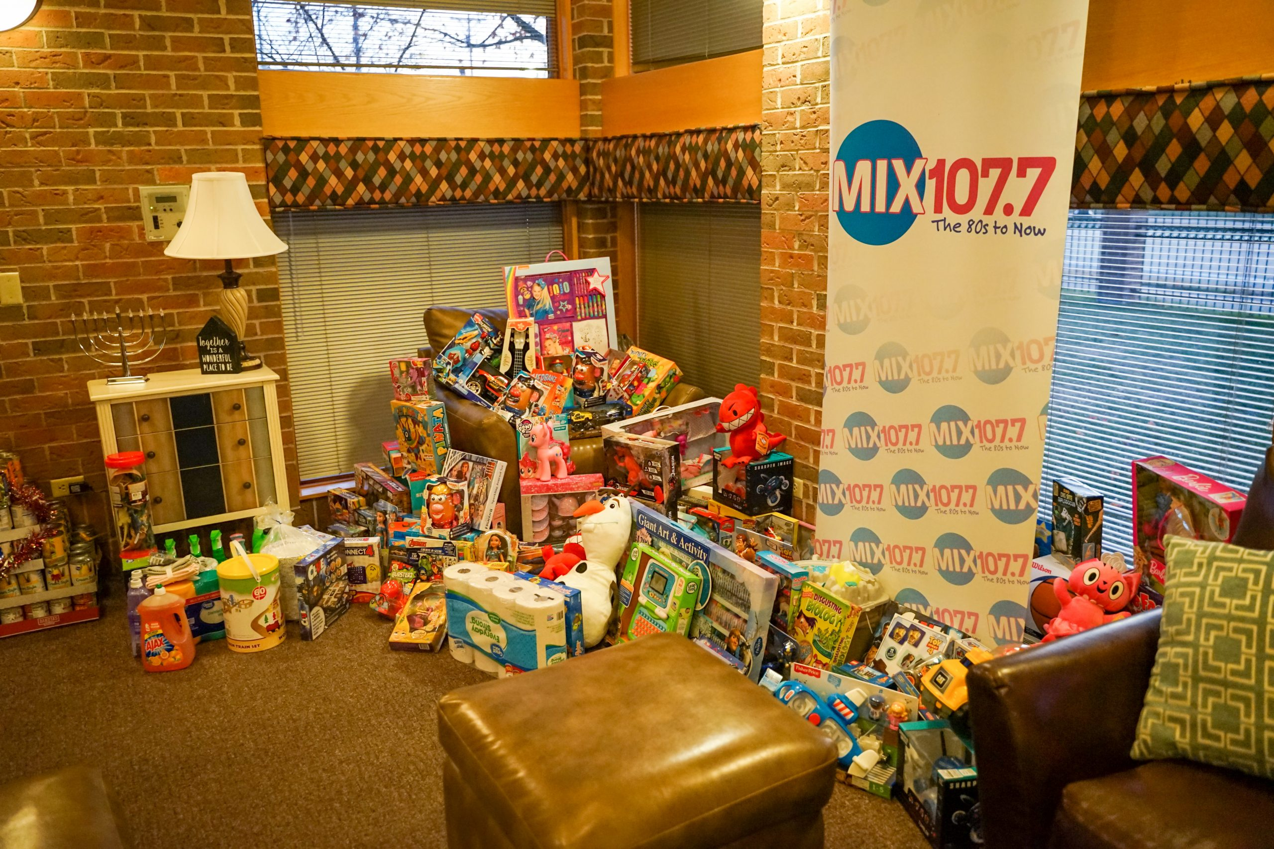 Mix 107 7 Radiothon Ronald Mcdonald House Charities Dayton